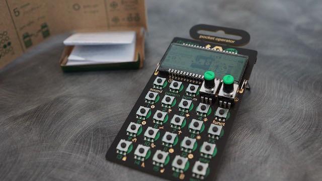スタッフ OK | NAMM2015:Teenage Engineering Pocket Operatorシリーズを発表!  スウェーデン発のシンセメーカーとして、シンセサイザーOP-1、MIDI/CV/デジタル信号までパッチングするデバイスOplabなど、カッティングエッジな製品をリリースしてきたTeenage EngineeringはNAMM 2015でも3つの新製品、Pocket Operatorシリーズを発表。