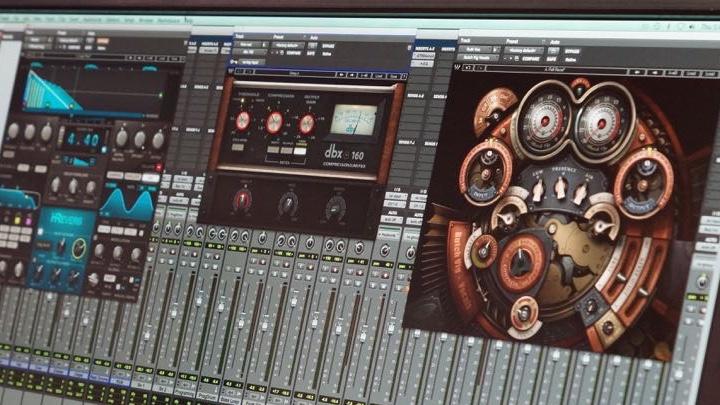 スタッフ OK | NAMM2015 Waves:Butch Vig Vocals、dbx 160、H-Reverbなど新製品が登場!  Wavesブースでは、人気のHybridシリーズから新作H-Reverb、dbxとのオフィシャル共同開発から誕生したdbx 160、そして以前もプレビューされた同社初のレコーディングソフトウェア、Tracks Liveなどが展開されていました。