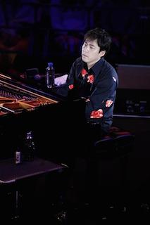 7拍子にアレンジしたStevie Wonderの「Superstition」をソロピアノで披露した塩谷哲