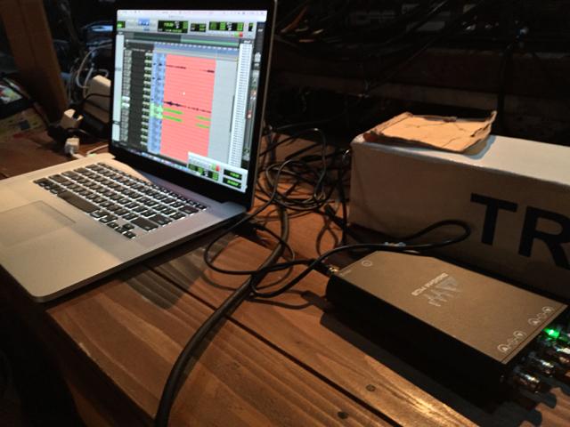 スタッフ H | スタッフルーム:ライブレコーディングの革命を、超少ない荷物で  スタッフルーム:たった1本のEthernetケーブルで32chのライブレコーディングを実施できた、スタッフによるレコーディング日記